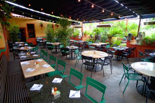 La Grande Orange Cafe patio