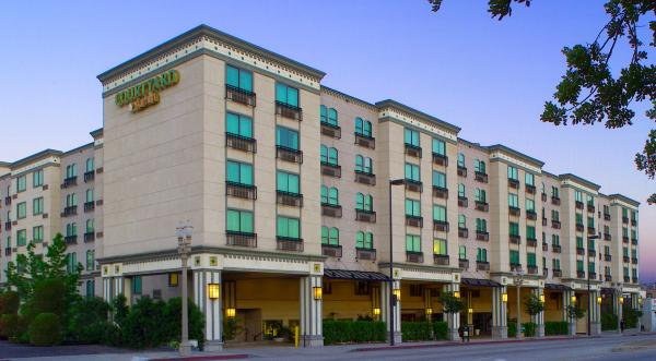 Accommodations Within Old Pasadena Courtyard Marriott Exterior